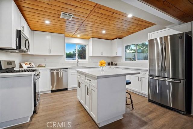 16321 Vincennes Street, North Hills CA: http://media.crmls.org/medias/a79ff23b-5af4-4e6e-93f9-1573fcf48a1e.jpg