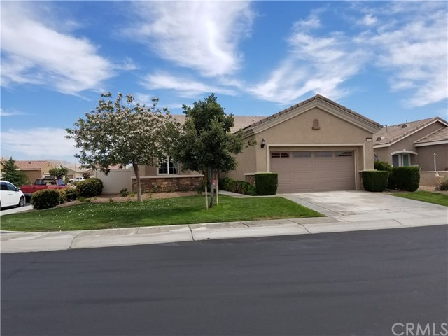 19441 Royal Oaks Road, Apple Valley CA: http://media.crmls.org/medias/a7ae18d0-0c65-494d-a369-9490f2f7a802.jpg