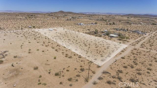 62695 Sunny Sands Drive, Joshua Tree CA: http://media.crmls.org/medias/a7c53b3d-d2ca-4ea7-97bb-52eda3c490c4.jpg