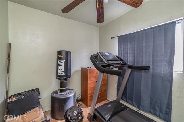 1052 S Townsend Avenue, East Los Angeles CA: http://media.crmls.org/medias/a7d09267-9fc5-441d-becb-4fec070e8e0e.jpg