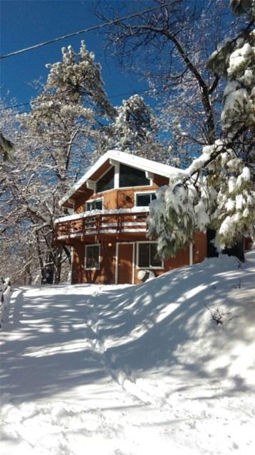 Casa Unifamiliar por un Venta en 32702 Porcupine Lane Arrowbear Lake, California 92314 Estados Unidos