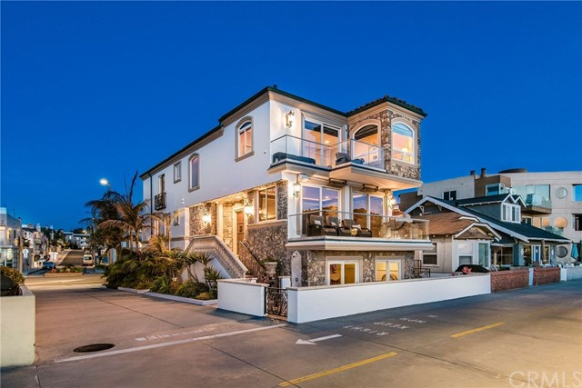 Photo of 22 The Strand, Hermosa Beach, CA 90254
