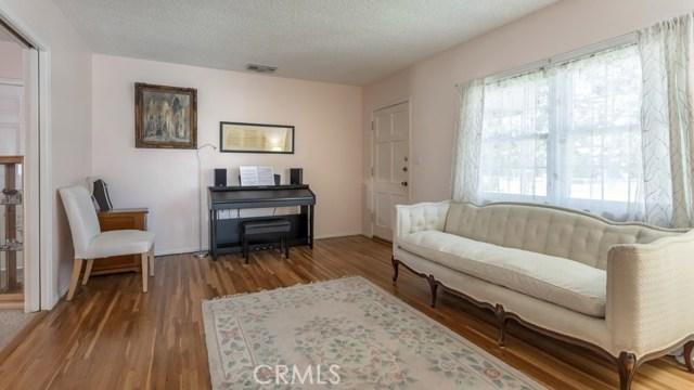10524 Emery Street, El Monte CA: http://media.crmls.org/medias/a80ded47-d5f3-4aae-851c-8c5c8de55cdb.jpg