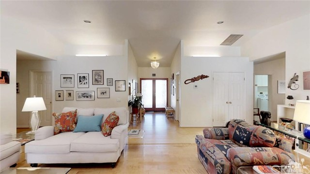 73181 Skyward Way, Palm Desert CA: http://media.crmls.org/medias/a8193420-7726-4708-8d85-97478998d3c4.jpg