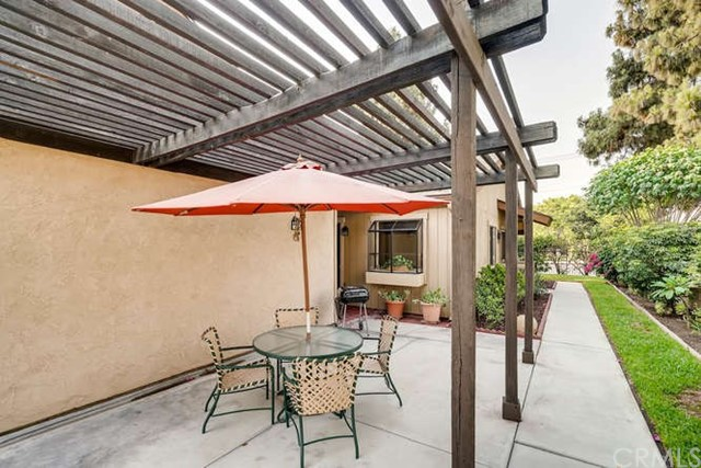 932 S Laurelwood Ln, Anaheim, CA 92806 Photo 4
