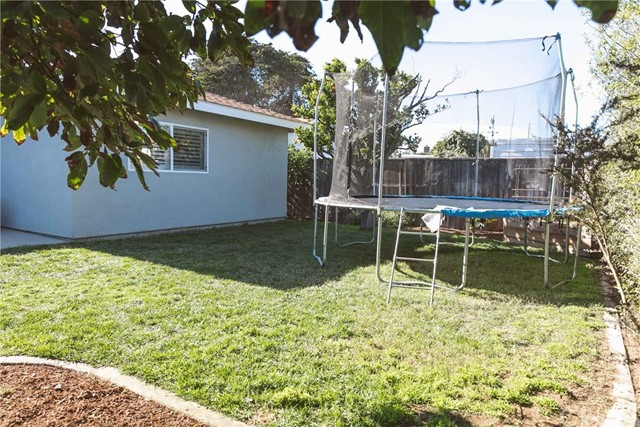 2142 Bush Drive, Los Osos CA: http://media.crmls.org/medias/a831440e-9e7f-40b9-8916-563f10c14806.jpg