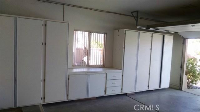 78225 Silver Sage Drive, Palm Desert CA: http://media.crmls.org/medias/a83e15b4-fab3-46a3-b0aa-abbb72491333.jpg