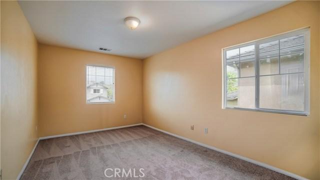 110 Fernpine Lane, Pomona CA: http://media.crmls.org/medias/a8436bca-4f83-4f55-b92e-85d2d58b8209.jpg