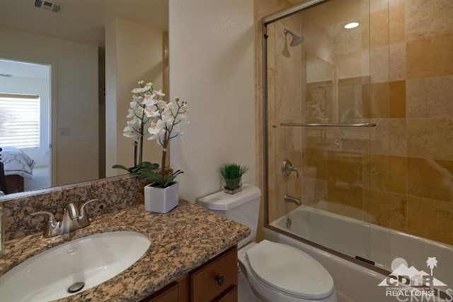 52185 Rosewood Lane, La Quinta CA: http://media.crmls.org/medias/a84f46bb-2756-449e-a55a-da9681f632a4.jpg