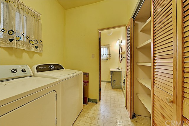 1405 S Nevada Avenue, Los Banos CA: http://media.crmls.org/medias/a8555982-72c4-4382-8a94-60456d6ec2b7.jpg