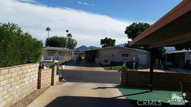 39540 Manzanita Drive, Palm Desert CA: http://media.crmls.org/medias/a857a63b-6739-4b9b-bb2a-32e984d3f09a.jpg
