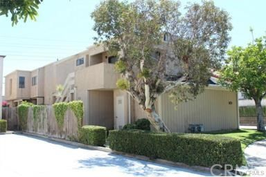 16652 Jib Circle Huntington Beach, CA 92649 is listed for sale as MLS Listing OC16746568