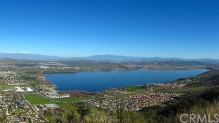 30308 Ainsworth Place, Lake Elsinore CA: http://media.crmls.org/medias/a86bf1cc-d896-4e44-b9fb-86d1a5f00828.jpg