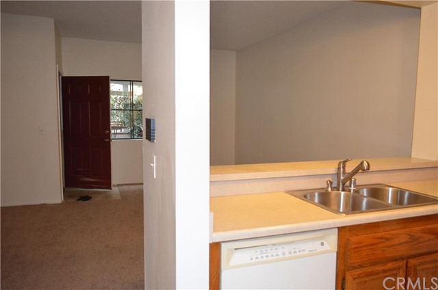 730 W 4th Street, Long Beach CA: http://media.crmls.org/medias/a871973b-6acb-4df4-a9d0-6136d4462451.jpg