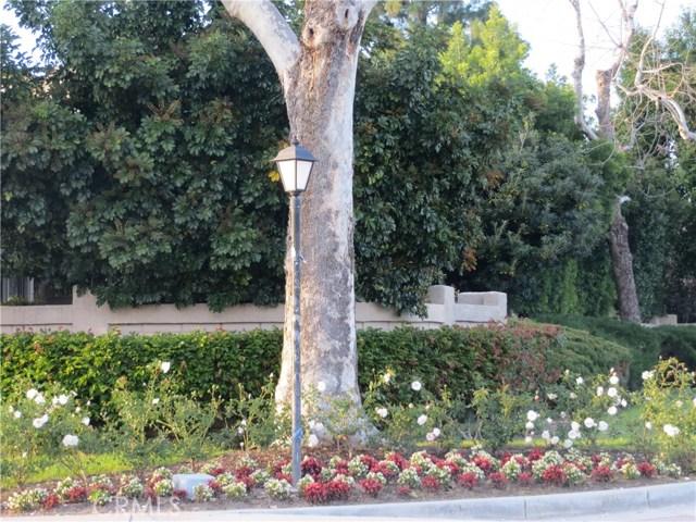 2622 N Tustin Avenue, Santa Ana CA: http://media.crmls.org/medias/a875b205-ed35-4955-8f36-04a5d1217798.jpg