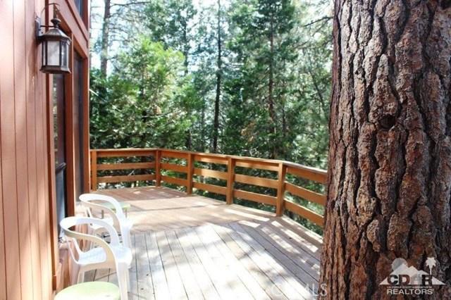 23076 Oak Leaf Lane, Idyllwild CA: http://media.crmls.org/medias/a87a03f9-cc40-4f20-8fa2-9b10888bf847.jpg