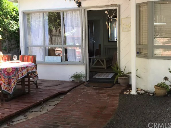 1935 Glenneyre Street, Laguna Beach CA: http://media.crmls.org/medias/a888537b-9ffc-4f77-a5c4-58ca04e62548.jpg
