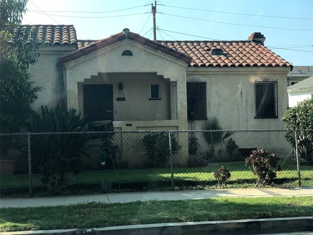 4026 Perry Street, East Los Angeles CA: http://media.crmls.org/medias/a889cbaf-85fa-4f2b-9c70-b790f40c51bb.jpg