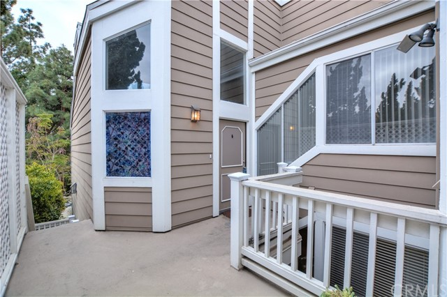 731 Wingate Bay 52 Costa Mesa, CA 92626 is listed for sale as MLS Listing IV17048729