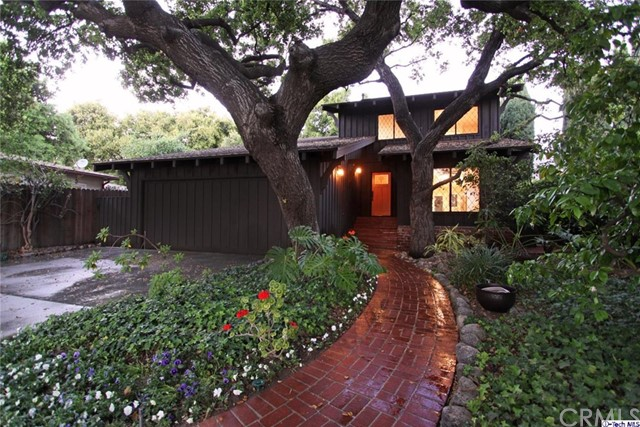 Single Family Home for Sale at 209 Ramona Avenue Sierra Madre, California 91024 United States