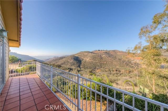 764 Rainbow Hills Road, Fallbrook CA: http://media.crmls.org/medias/a8bcf7c5-1ecf-47db-af67-dbd6df6e8388.jpg