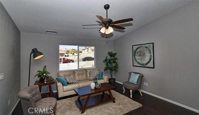 16393 Shenandoah Road, Apple Valley CA: http://media.crmls.org/medias/a8df3942-6b23-4d19-bfcd-c0955013a905.jpg