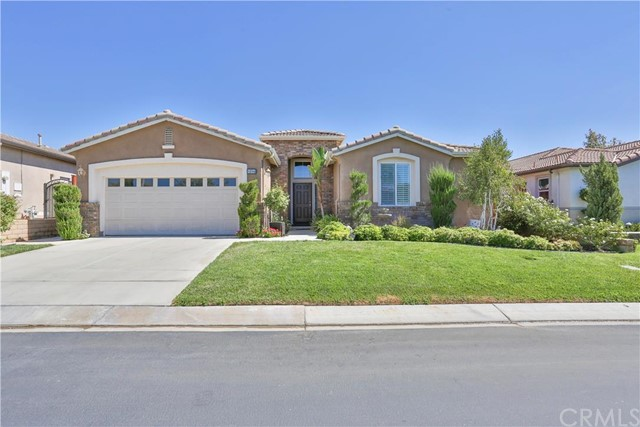 8194 Maruyama Drive Hemet, CA 92545 is listed for sale as MLS Listing SW16176570