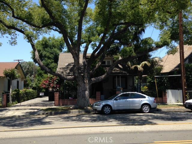 Single Family Home for Sale at 619 Santa Ana Boulevard E Santa Ana, California 92701 United States