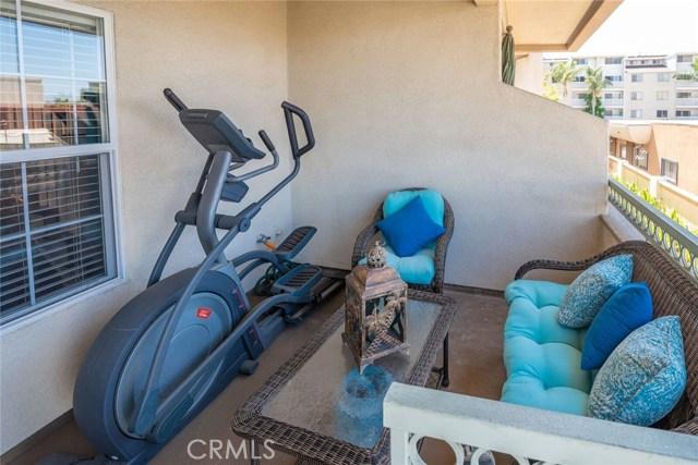 3546 Linden Avenue, Long Beach CA: http://media.crmls.org/medias/a8fbdcc7-ad65-439c-8884-fd3c8f4380ae.jpg
