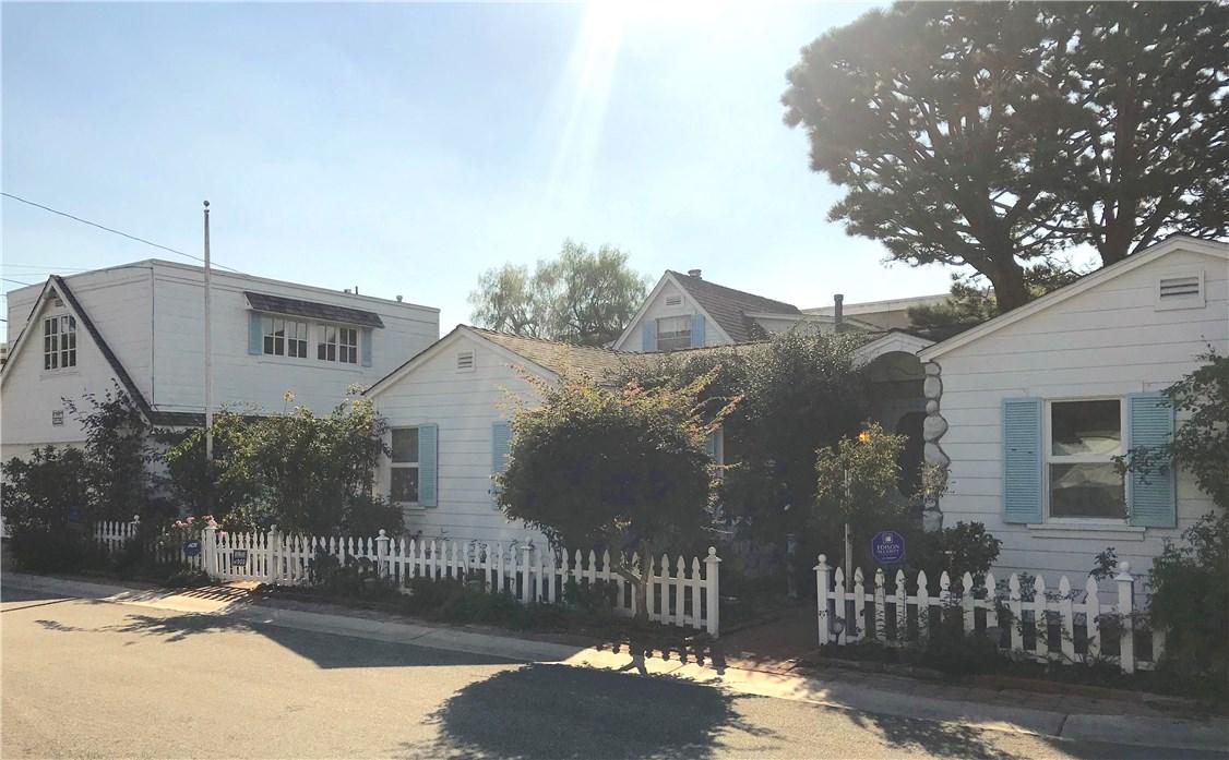 2722 N Ardmore Avenue  Manhattan Beach CA 90266