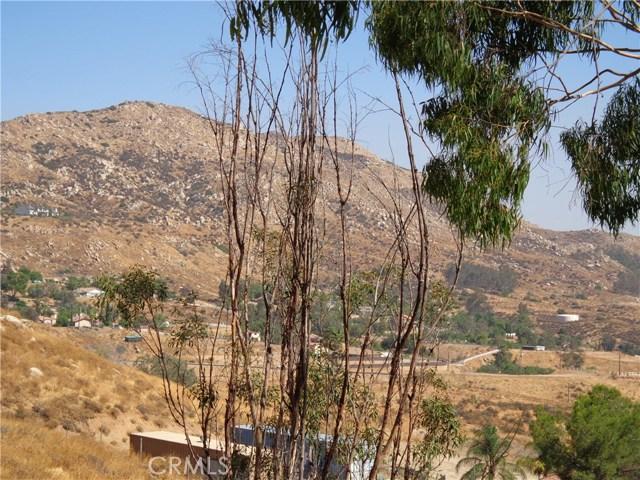 9325 JODEN RD, Moreno Valley CA: http://media.crmls.org/medias/a911c321-fe7c-4256-ac3e-97bd0b3f3a10.jpg