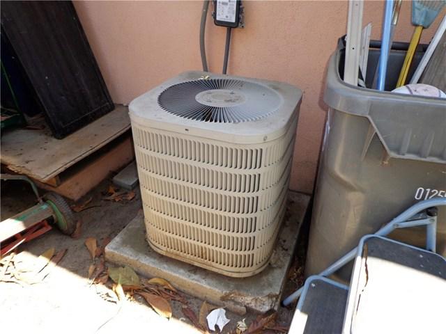 3944 N Frijo Avenue, Covina CA: http://media.crmls.org/medias/a925d9dc-e0ea-42bd-b308-92894d5ec263.jpg