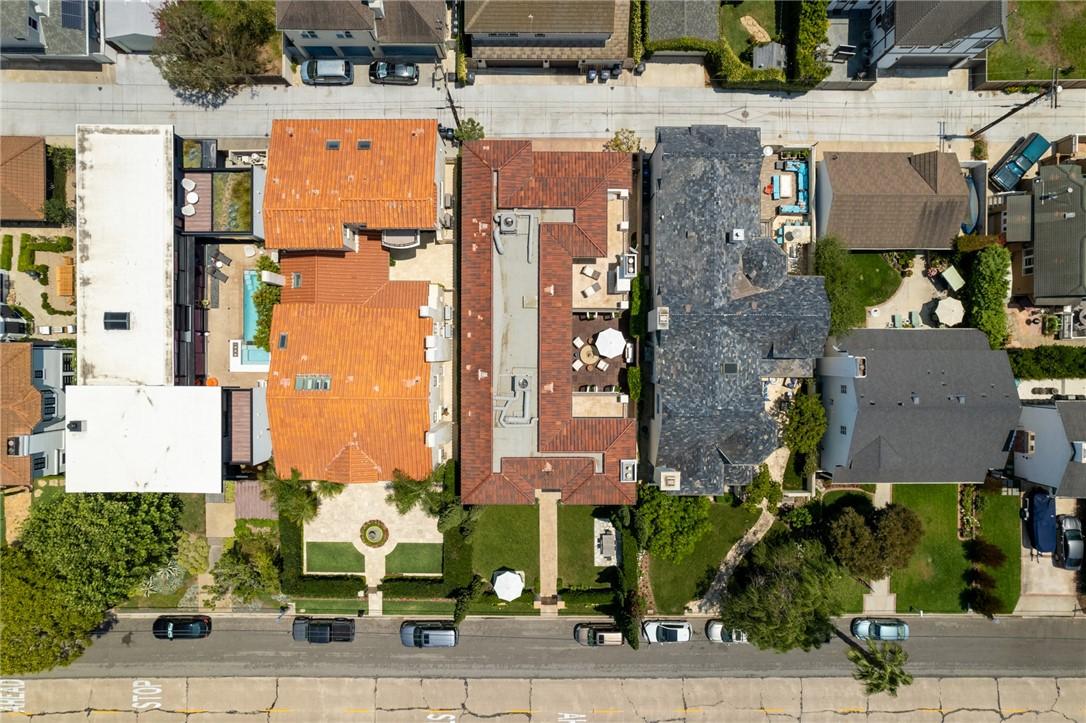 518 Santa Ana Avenue, Newport Beach, California 92663, 5 Bedrooms Bedrooms, ,5 BathroomsBathrooms,Residential Purchase,For Sale,Santa Ana,NP21166751