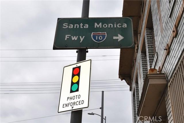 757 E Washington Boulevard, Los Angeles CA: http://media.crmls.org/medias/a93a378c-20ce-47e2-8e29-2350935f7312.jpg