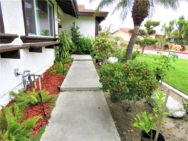 1124 W La Entrada Cr, Anaheim, CA 92801 Photo 4