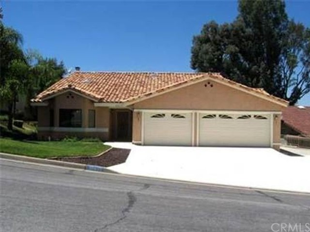 Single Family Home for Rent at 30635 Golden Gate Drive Canyon Lake, California 92587 United States