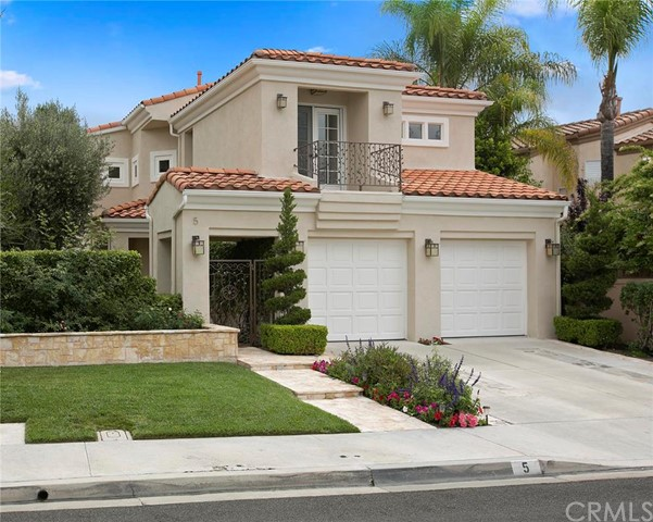 5 Cantora Lake Forest CA  92610