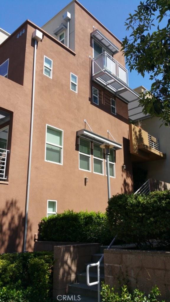 450 E Jeanette Lane, Santa Ana CA: http://media.crmls.org/medias/a970eb84-3cab-45f3-80c2-f0ea61a0b9cf.jpg