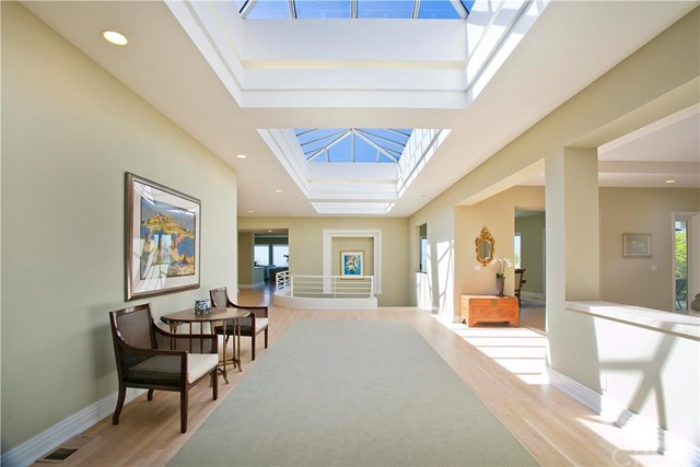 Additional photo for property listing at 85 Laurel Drive  Rancho Palos Verdes, California 90275 United States