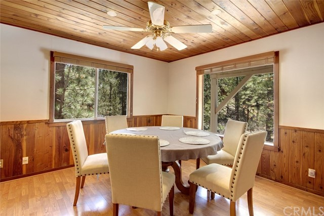 1021 London Lane, Big Bear CA: http://media.crmls.org/medias/a97b5cef-d6ca-4b0c-8d9a-f89a9fc6c966.jpg