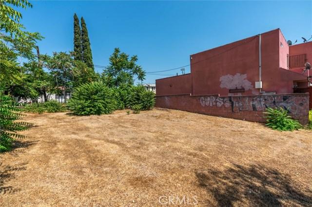 4033 E Cesar E Chavez Avenue, East Los Angeles CA: http://media.crmls.org/medias/a99c7c52-eec9-4433-899d-18ca7185a222.jpg
