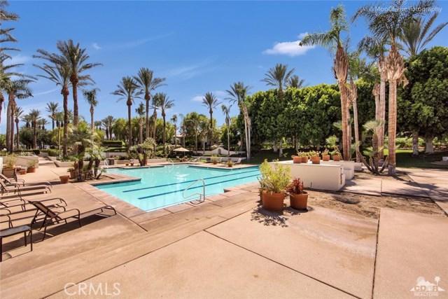 79840 Rancho La Quinta Drive, La Quinta CA: http://media.crmls.org/medias/a9a20246-7c26-4cee-9eb7-c69d6b414faa.jpg