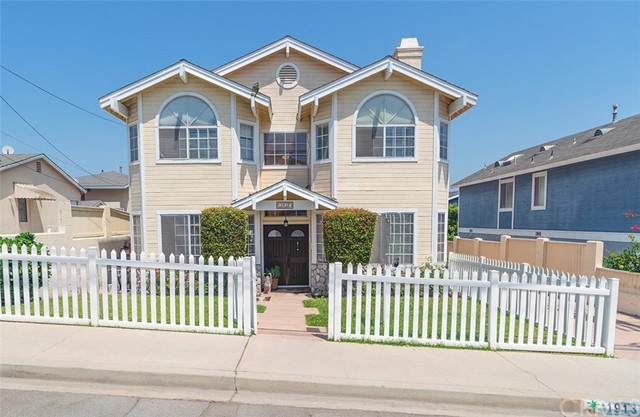 1913  Farrell Avenue A, Redondo Beach in Los Angeles County, CA 90278 Home for Sale