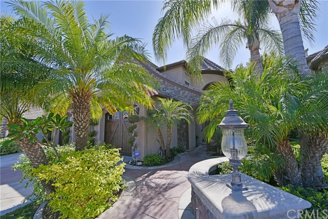 525 Dickinson Circle Placentia, CA 92870 is listed for sale as MLS Listing PW18159451