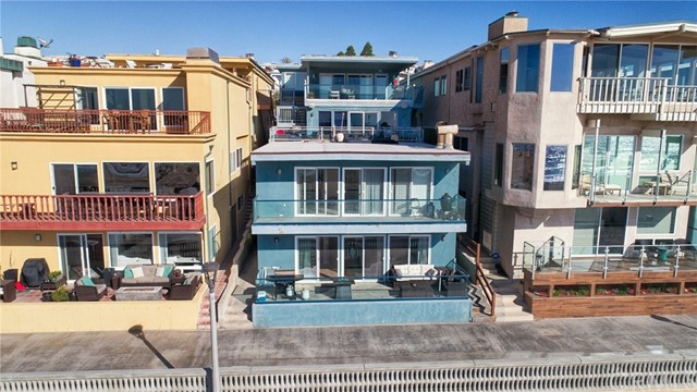 Single Family Home for Sale at 2208 The Strand 2208 The Strand Manhattan Beach, California 90266 United States