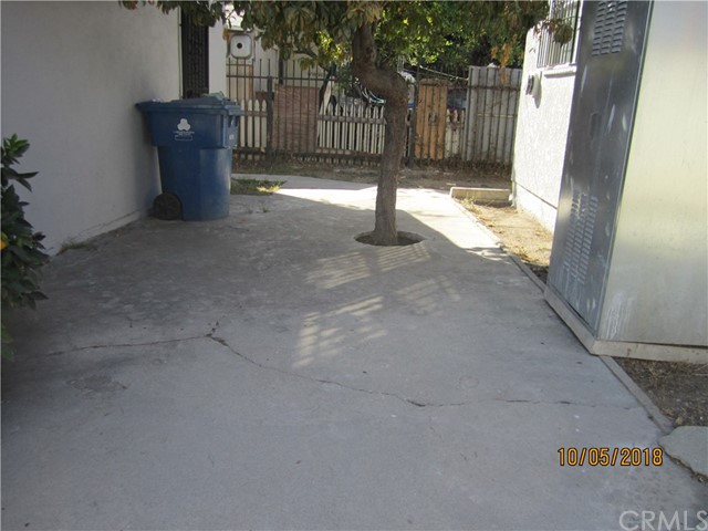 1844 West 38th Place, Los Angeles CA: http://media.crmls.org/medias/a9d6fd5a-8d7b-4089-aa41-338041ce537c.jpg