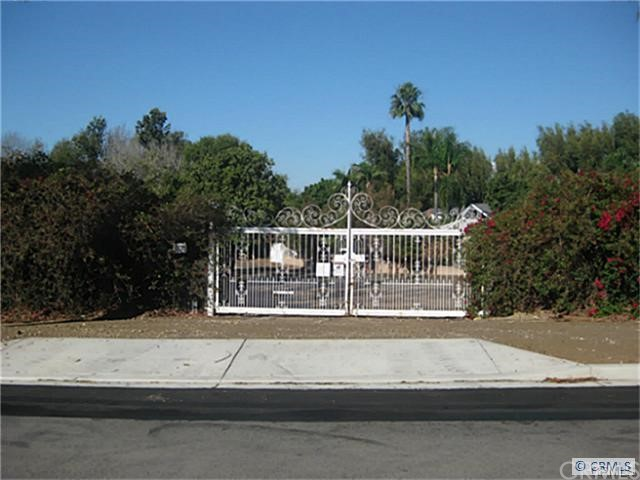 5535 Ohio Yorba Linda, CA  is listed for sale as MLS Listing PW16165963