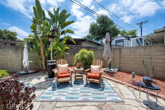 1004 Nutwood Avenue, Fullerton CA: http://media.crmls.org/medias/a9f1d775-341c-4e21-8f1c-811c81e0148b.jpg