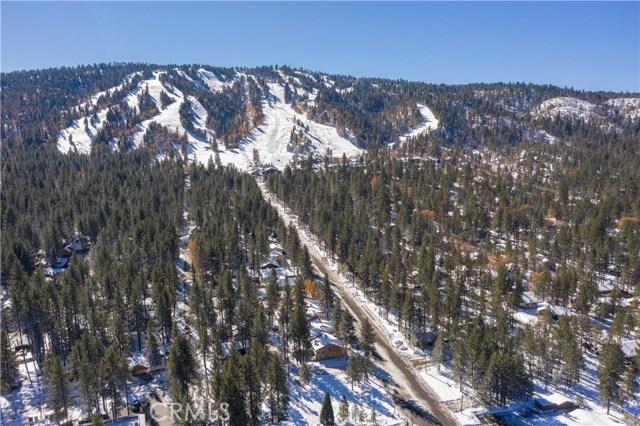 580 Summit, Big Bear CA: http://media.crmls.org/medias/a9f6fc13-adf8-4370-b8f0-92aafc6f88fa.jpg