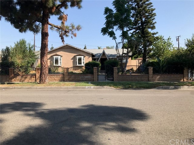 1417 W Pine Street Santa Ana, CA 92703 is listed for sale as MLS Listing PW17200622